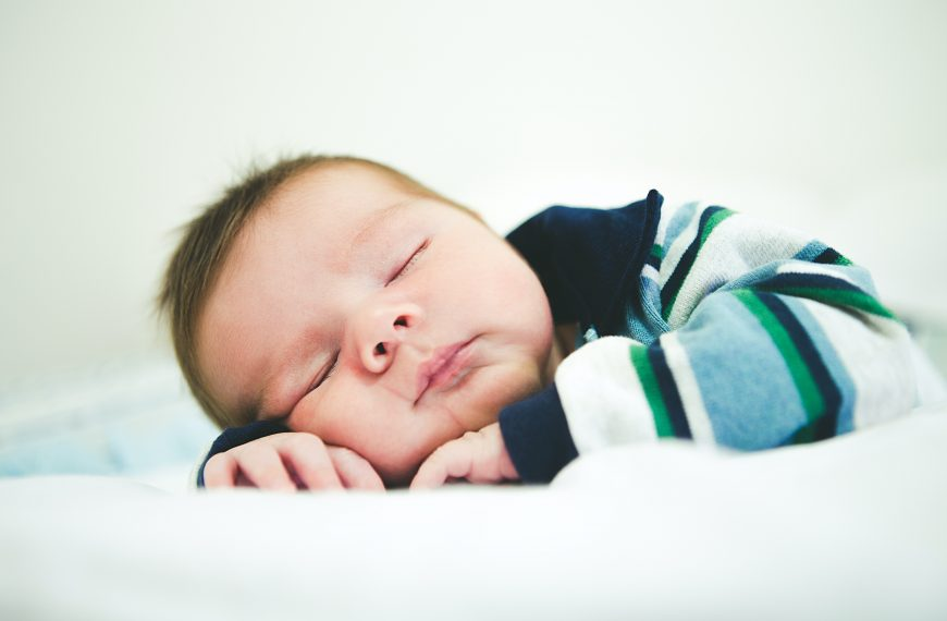 Tạo kích thích cho trẻ ngủ – Ưu điểm và bất lợi